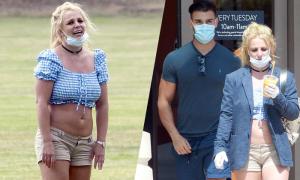 Britney Spears ra phố với bồ trẻ