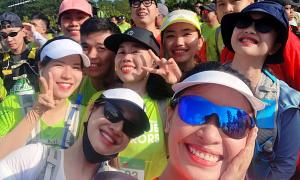 Nhã Phương và các sao Việt chạy marathon