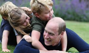 Kate chụp ảnh mừng William tròn 38 tuổi