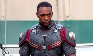 Tài tử 'Avengers' chỉ trích Marvel phân biệt chủng tộc