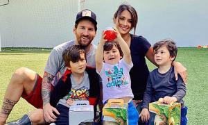 Vợ chồng Messi kỷ niệm 3 năm cưới