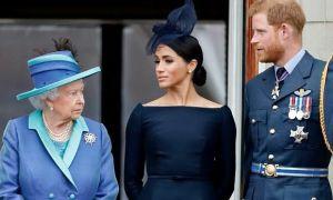 Fan Meghan chỉ trích Nữ hoàng không bảo vệ cháu dâu