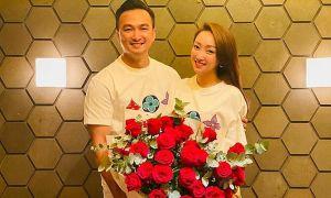 Ảnh sao 14/7: Chi Bảo - Lý Thuỳ Chang kỷ niệm ngày yêu