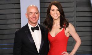Vợ cũ ông chủ Amazon cho đi 1,7 tỷ USD