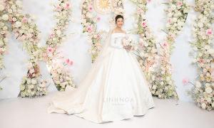 Những điều chưa biết về váy cưới nửa tỷ đồng của Thúy Vân