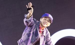 Sơn Tùng MTP diễn hit mới trong show công nghệ