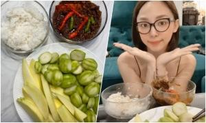 Cơm với cóc xoài chấm mắm ruốc của Tóc Tiên