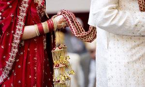 Vợ bị bắt sau khi chồng tự tử vì thiếu sex