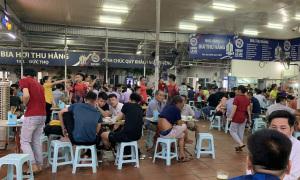 Hà Nội yêu cầu giãn cách chỗ ngồi tại nhà hàng, quán bia