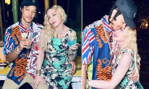 Madonna đón tuổi 62 bên bạn trai 9X
