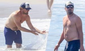 Leo DiCaprio khoe bụng 'bia' trên biển