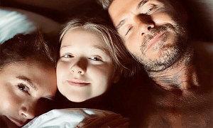 Con gái Becks lẻn vào giường bố mẹ
