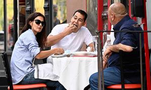 Katie Holmes ăn trưa với bố của bồ trẻ