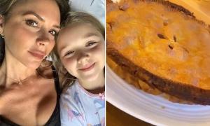 Vic và con gái làm bánh từ táo trong vườn