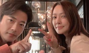 Vợ chồng Kwon Sang Woo kỷ niệm 12 năm cưới