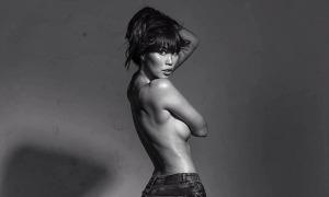 Hà Anh đăng ảnh bán nude đáp trả anti-fan