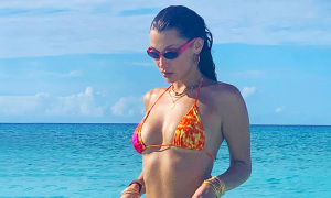 Bella Hadid mặc sexy trong kỳ nghỉ sinh nhật
