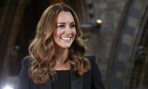 8 bài học thời trang Kate áp dụng từ khi làm dâu hoàng gia