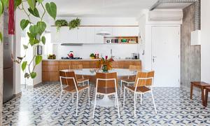 Căn hộ nổi bật với phòng bếp gạch bông