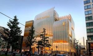 Tiệm cà phê và nhà hàng như thuyền buồm của Louis Vuitton