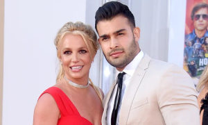 Britney Spears bị cấm kết hôn, sinh con