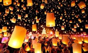 Thế giới cổ tích ở lễ hội đèn trời Thái Lan mùa Covid