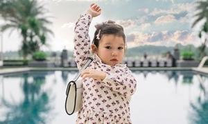Con gái hai tuổi rưỡi của Hà Anh đã biết điệu