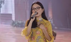 Dàn nghệ sĩ hát ủng hộ đồng bào miền Trung