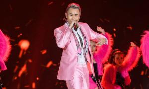 Binz mang 'Bigcityboi' đến chung kết Hoa hậu Việt Nam