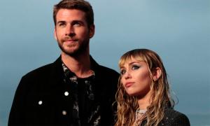 Miley Cyrus thú nhận có nhiều mâu thuẫn trước ly hôn