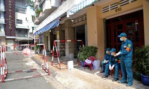Phong tỏa 72 căn hộ ở Sài Gòn