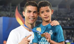 C. Ronaldo không ép con trai theo nghiệp cầu thủ