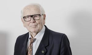 Nhà thiết kế Pierre Cardin qua đời ở tuổi 98