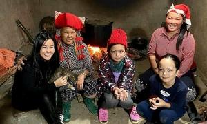 Ảnh sao 31/12: Hồng Nhung và hai con khám phá Sapa