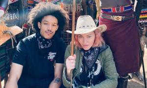 Madonna và bồ trẻ đi chơi 5 nước giữa đại dịch