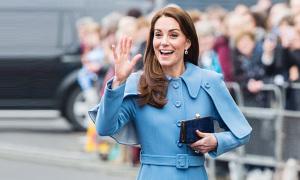 Bộ sưu tập áo choàng 3 tỷ đồng của Kate
