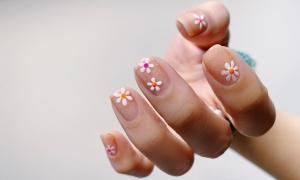 9 mẫu móng vẽ hoa xinh mà không sến