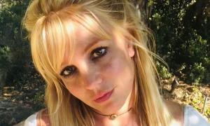 Britney Spears khóc hai tuần khi phim tài liệu về cô công chiếu