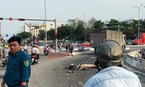 Người đàn ông tử vong khi chạy xe máy vào làn ôtô