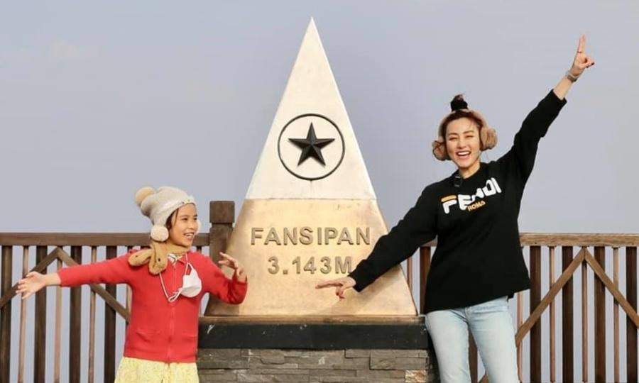 Ngân Khánh 'phấn khích như được tặng túi' khi lên đỉnh Fansipan