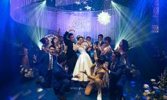 Cô dâu chú rể khiến khách mời không thể ngồi yên với màn first dance