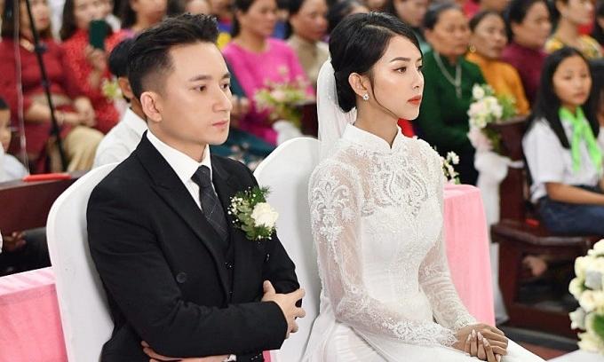 Phan Mạnh Quỳnh cưới vợ người mẫu