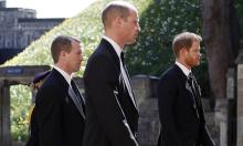 'William yêu cầu em họ đứng giữa mình với Harry'