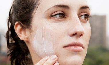 6 lý do thoái thác bôi kem chống nắng không thuyết phục