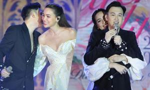 Hồ Ngọc Hà ôm chặt Dương Triệu Vũ trên sân khấu