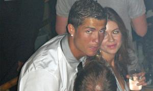 'Người đẹp tố C. Ronaldo hiếp dâm' đòi bồi thường 56 triệu bảng