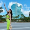 Khách sạn đàn guitar khổng lồ nơi Khánh Vân thi Miss Universe