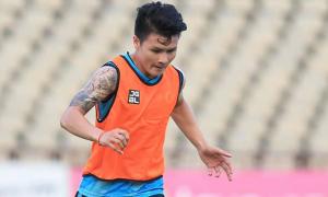 Quang Hải, Văn Đức không được về nhà dù V-League bị hoãn