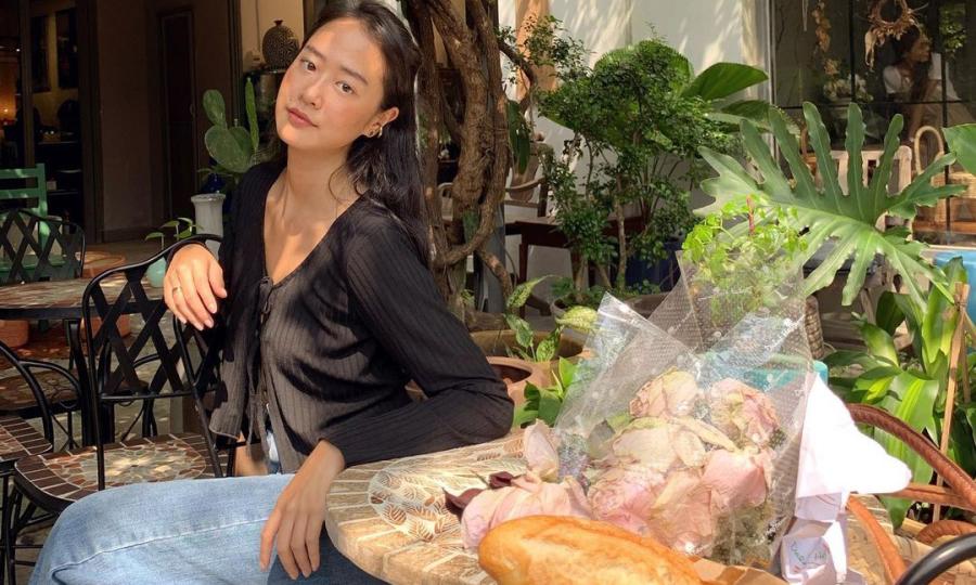 Mẫu nữ đóng MV cùng Đen Vâu mê ăn chay, tập yoga