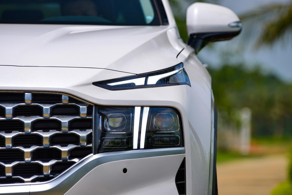 Những điểm mới trên Hyundai Santa Fe 2021 - Ngôi sao
